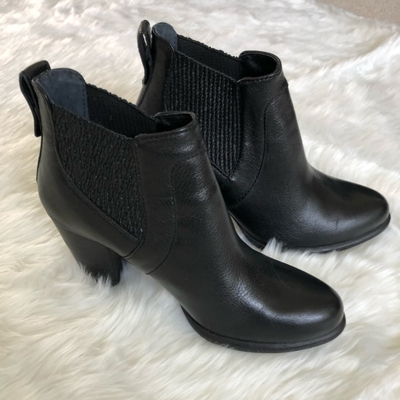 8a47bf403a2 UGG Cobie II Ankle booties